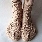 Аксессуары ручной работы. Ярмарка Мастеров - ручная работа Вязаные носки ручной работы бежевые, подарок девушке, юноше. Handmade.