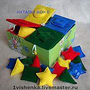 Куклы и игрушки ручной работы. Ярмарка Мастеров - ручная работа сортировщик фигур и папка-домик с разными видами застёжек. Handmade.