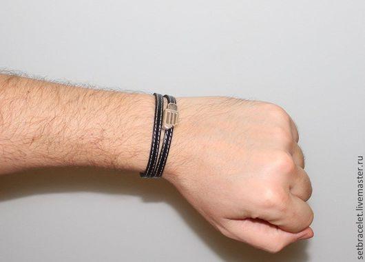 Украшения для мужчин, ручной работы. Ярмарка Мастеров - ручная работа. Купить Мужской кожаный браслет черный простроченный шнур 5 мм черный. Handmade.