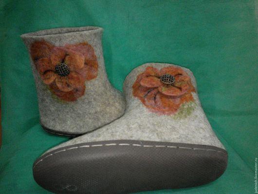 """Обувь ручной работы. Ярмарка Мастеров - ручная работа. Купить Валенки для дома """"Летнее тепло"""". Handmade. Серый, валенки на подошве"""