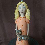 """Куклы и игрушки ручной работы. Ярмарка Мастеров - ручная работа Кукла-колокольчик """"Маленькая девочка с кошкой"""". Handmade."""