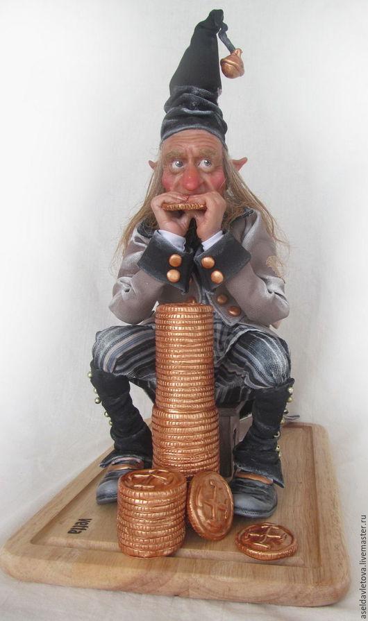 Сказочные персонажи ручной работы. Ярмарка Мастеров - ручная работа. Купить Эльф-скряга. Handmade. Бежевый, проволочный каркас