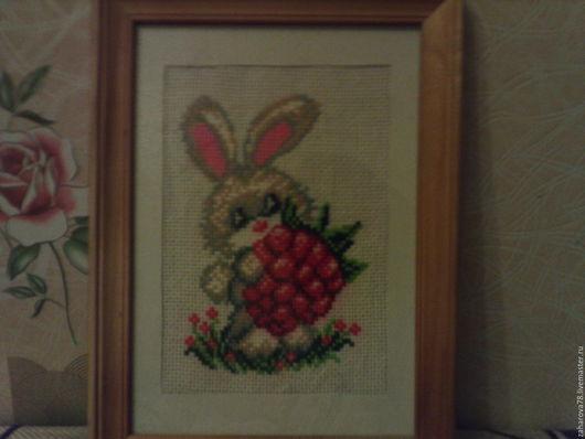 Животные ручной работы. Ярмарка Мастеров - ручная работа. Купить Зайчонок с малинкой. Handmade. Комбинированный, вышивка ручная, вышивка для детей