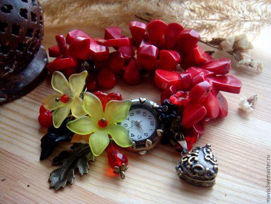 """Часы ручной работы. Ярмарка Мастеров - ручная работа. Купить Часы-браслет с кораллом """"Бабье лето"""". Handmade. Ярко-красный"""