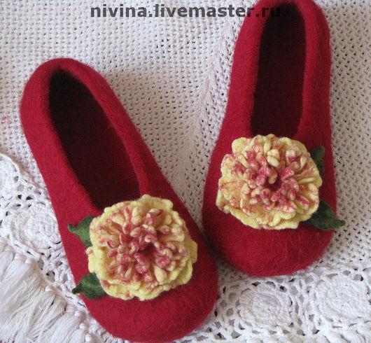 """Обувь ручной работы. Ярмарка Мастеров - ручная работа. Купить тапочки """"Пионы""""(2). Handmade. Бордовый, ручная работа, подарок"""
