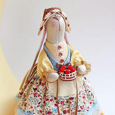 Куклы и игрушки ручной работы. Ярмарка Мастеров - ручная работа Тильды: Зайка-хозяйка с тортиком. Handmade.