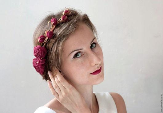 Диадемы, обручи ручной работы. Ярмарка Мастеров - ручная работа. Купить Украшение на голову венок с алыми розами. Handmade.