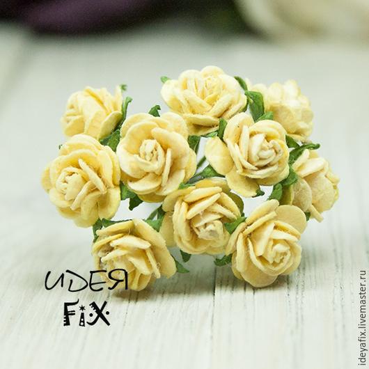 Диаметр цветочка 1 см. Длина проволочного стебелька 5,5 см.  Цена указана за букетик из 5 цветов.