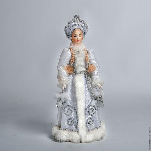 Эту снегурочку я сделаю по заказ. Я всегда ее делаю в белом цвете. Так она настоящая... снегурочка...
