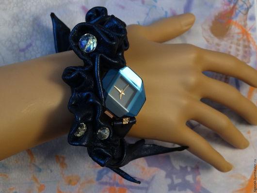 """Часы ручной работы. Ярмарка Мастеров - ручная работа. Купить Часы """"Сапфировое время"""". Handmade. Тёмно-синий, неповторимый дизайн"""