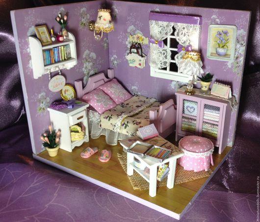 """Миниатюрные модели ручной работы. Ярмарка Мастеров - ручная работа. Купить Кукольная комнатка(румбокс) """"Сиреневая спальня"""". Handmade. Кукольная комнатка"""