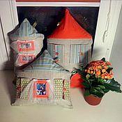 Для дома и интерьера ручной работы. Ярмарка Мастеров - ручная работа подушка-домик-альбом. Handmade.