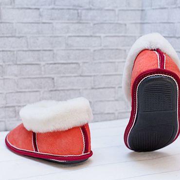 Обувь ручной работы. Ярмарка Мастеров - ручная работа Чуни из овчины на твердой подошве. Handmade.