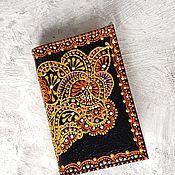 Обложки ручной работы. Ярмарка Мастеров - ручная работа Обложка для паспорта золотой узор с красным. Handmade.