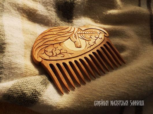 Гребни, расчески ручной работы. Ярмарка Мастеров - ручная работа. Купить Деревянный гребень для волос Лунный единорог. Handmade. луна
