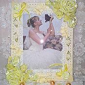 Сувениры и подарки ручной работы. Ярмарка Мастеров - ручная работа Фоторамка свадебная Экрю-кружево,розы ручной работы,бисер. Handmade.