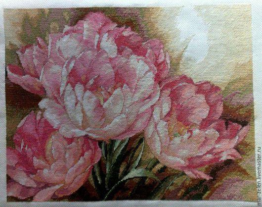 Картины цветов ручной работы. Ярмарка Мастеров - ручная работа. Купить Трио тюльпанов (ручная вышивка). Handmade. Розовый
