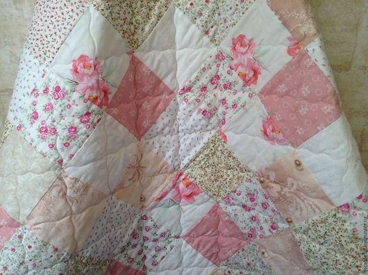 """Для новорожденных, ручной работы. Ярмарка Мастеров - ручная работа. Купить Детское лоскутное одеяло """"Нежность"""". Handmade. Розовый, синтепон"""