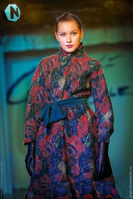 """Верхняя одежда ручной работы. Ярмарка Мастеров - ручная работа. Купить Авторское валяное пальто """"Velvet luxury"""". Handmade. Розы"""