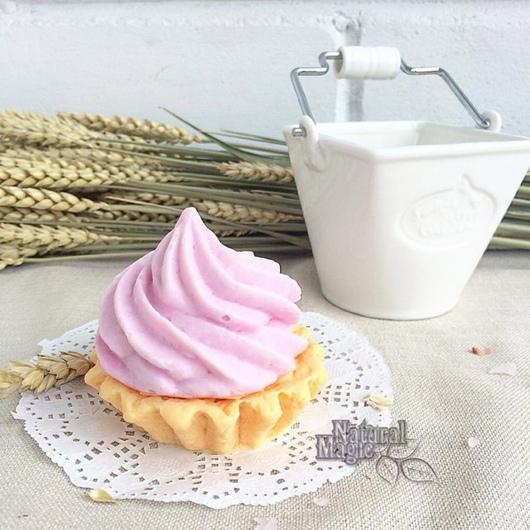 Мыло ручной работы. Ярмарка Мастеров - ручная работа. Купить пирожное корзиночка с кремом, подарочное сувенирное мыло. Handmade.