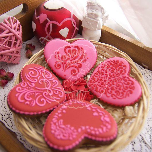 Кулинарные сувениры ручной работы. Ярмарка Мастеров - ручная работа. Купить Пряники сердечки красные. Handmade. Розовый