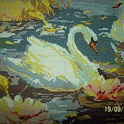 """Картины и панно ручной работы. Ярмарка Мастеров - ручная работа картина вышитая крестом """"Лебединая пара""""на белой канве.. Handmade."""