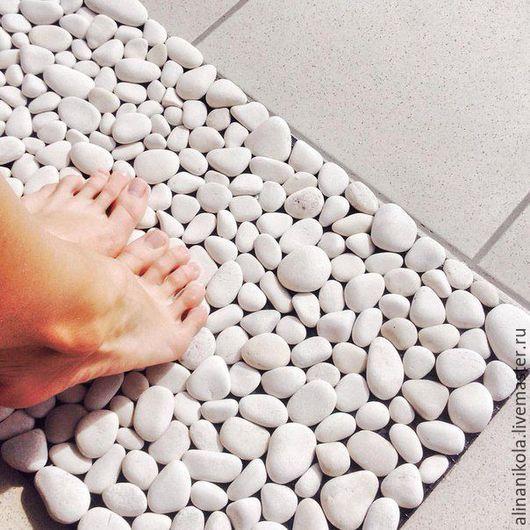 Ванная комната ручной работы. Ярмарка Мастеров - ручная работа. Купить Коврик для ванной комнаты из речных камней.. Handmade. камни