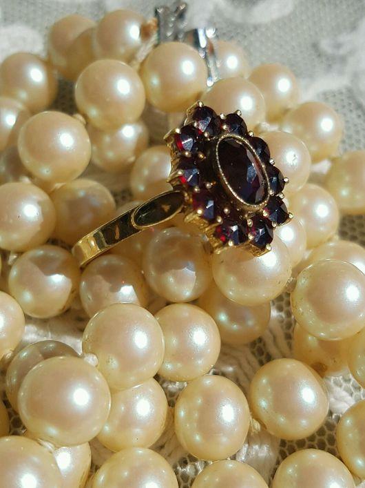 Винтажные украшения. Ярмарка Мастеров - ручная работа. Купить Прелестное серебряное позолоченное кольцо с альмандинами. Handmade. Бордовый, гранат, серебряный