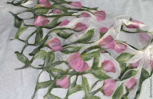 """Шали, палантины ручной работы. Ярмарка Мастеров - ручная работа. Купить Палантин """"Нежные тюльпаны"""". Handmade. Белый, подарок девушке"""