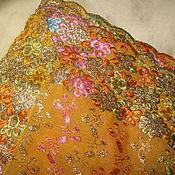 Антикварная ткань с вышивкой по всему полотну