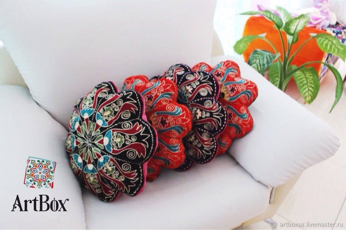 Вышитые шёлковыми нитями подушки, Текстиль ковры, Ташкент, Фото №1