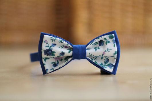 Галстуки, бабочки ручной работы. Ярмарка Мастеров - ручная работа. Купить Бабочка с синими цветами детская/взрослая. Handmade. Синий