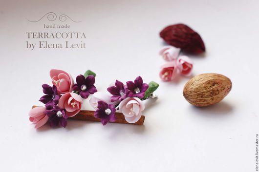 Цветы на зажиме из полимерной глины. Terracotta by Elena Levit.
