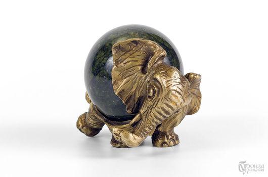 Статуэтки ручной работы. Ярмарка Мастеров - ручная работа. Купить Статуэтка «Слон №6» с шаром. Handmade. Слоник, статуэтка, змеевик