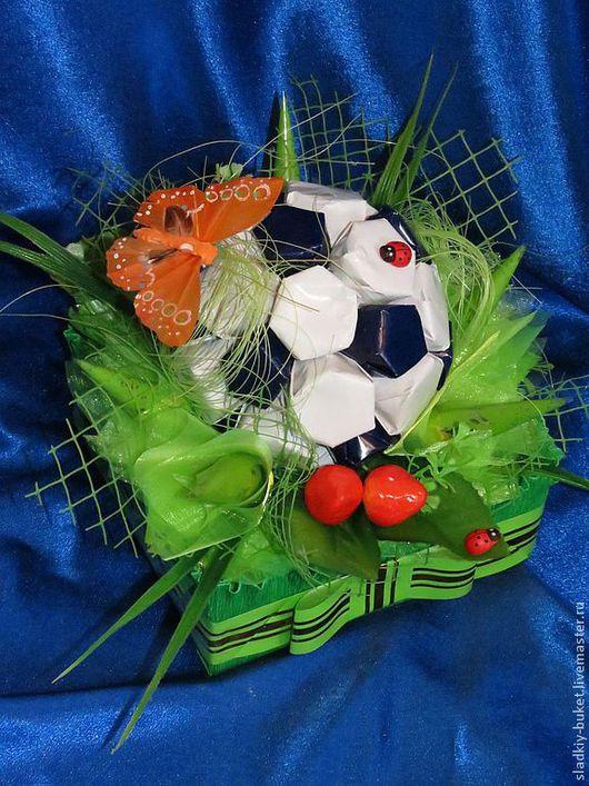 Букеты ручной работы. Ярмарка Мастеров - ручная работа. Купить Футбольный мяч. Handmade. Конфетный букет, сладкий сувенир