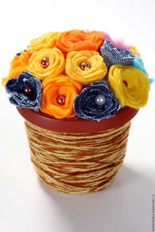 Персональные подарки ручной работы. Ярмарка Мастеров - ручная работа. Купить Букет из фетровых и джинсовых цветов в горшочке. Handmade. Комбинированный