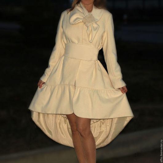 """Верхняя одежда ручной работы. Ярмарка Мастеров - ручная работа. Купить Пальто """"Нежность с бантом """" молочного цвета. Handmade."""