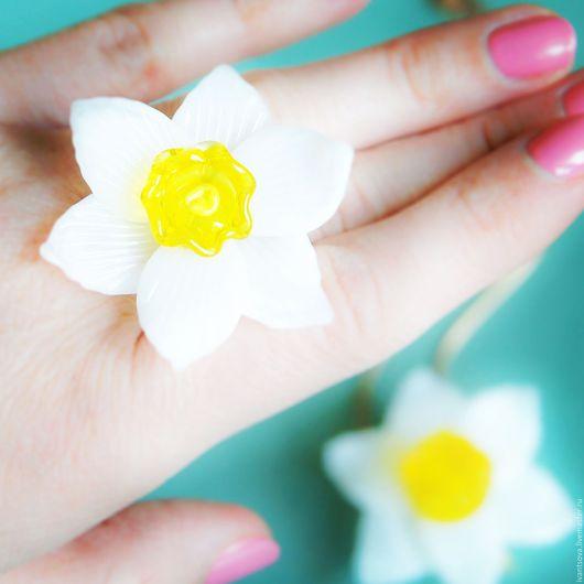 Кольца ручной работы. Ярмарка Мастеров - ручная работа. Купить Кольцо Нарцисс. Handmade. Белый, кольцо цветок, кольцо и кулон