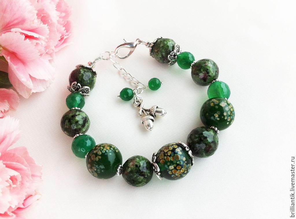 Зелёный браслет, браслет с камнями, купить украшение с зелёным камнем, браслет с хризопразом, браслет с агатом, лес, природа, тёмно-зелёный, болотный, элегантное украшение, украшение лэмпворк lampwork