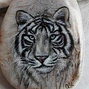 """Украшения ручной работы. Ярмарка Мастеров - ручная работа Кулон """"Белый тигр"""" роспись. Handmade."""