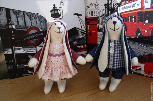 Пара зайцев `лондонцев`