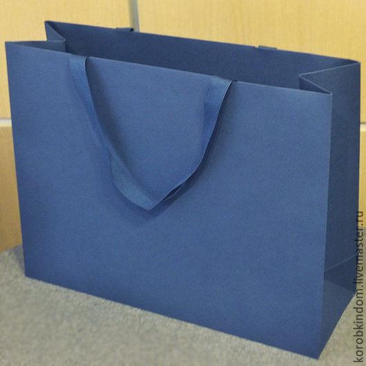 Упаковка ручной работы. Ярмарка Мастеров - ручная работа. Купить Сумка картонная 45х35х15 см синяя с ручками из лент. Handmade.