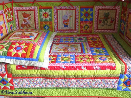 Лоскутное покрывало детское, лоскутная подушка, лоскутный бортик в детскую кроватку
