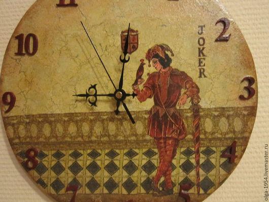 """Часы для дома ручной работы. Ярмарка Мастеров - ручная работа. Купить Часы """"Джокер. Посланник Фортуны"""". Handmade. Бордовый, деньги"""