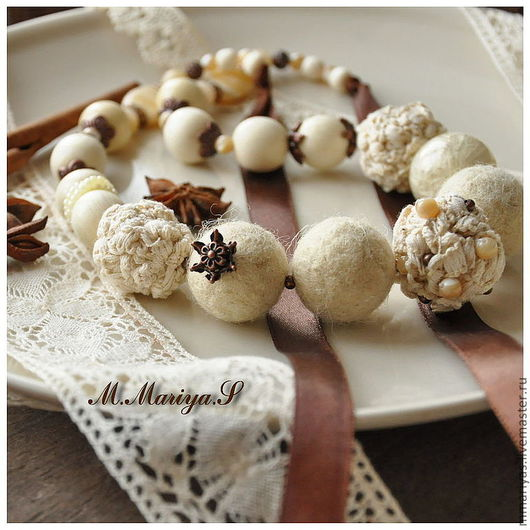 """Колье, бусы ручной работы. Ярмарка Мастеров - ручная работа. Купить Серьги, бусы """"Vanilla"""". Handmade. Бусы, бежевый, в цветочек"""