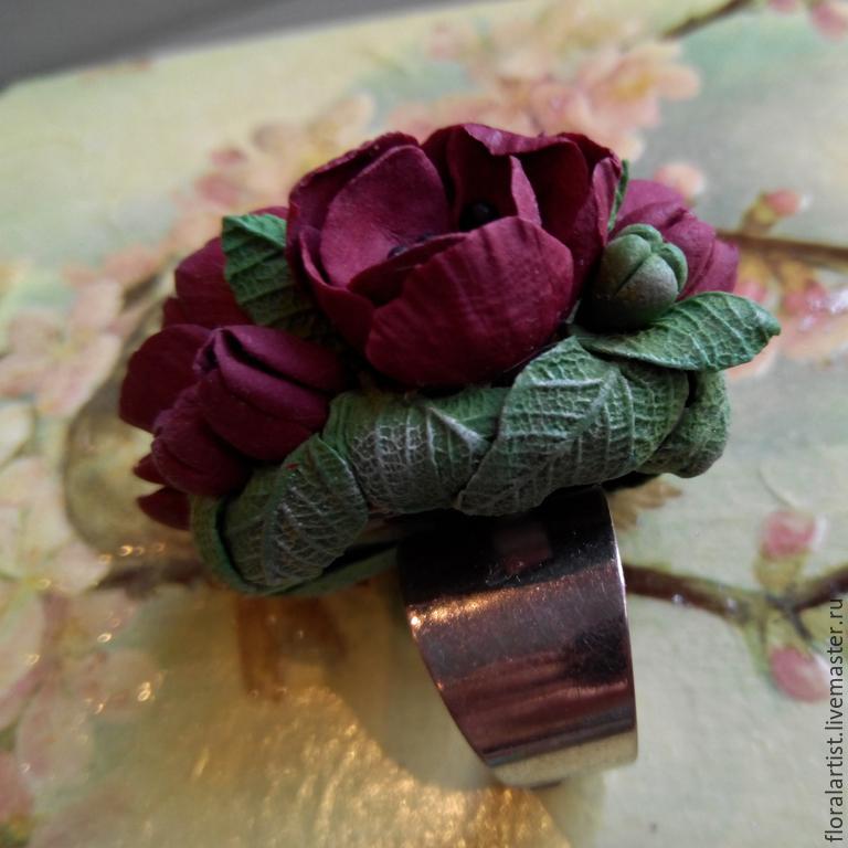 Бордовые цветы
