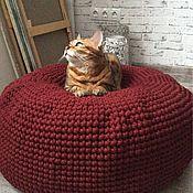 Для домашних животных, ручной работы. Ярмарка Мастеров - ручная работа Вязаный КОТОпуф Kozaa`s Bags for pets, цвет винный. Handmade.