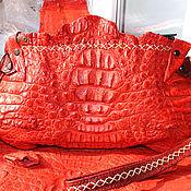 Сумки и аксессуары ручной работы. Ярмарка Мастеров - ручная работа Алый крокодиловый клатчик. Handmade.