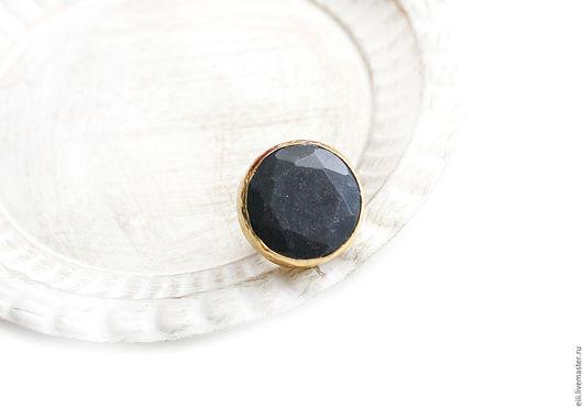 Кольца ручной работы. Ярмарка Мастеров - ручная работа. Купить Круглое кольцо с нефритом темно-синего цвета. Handmade. Подарок