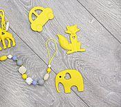 Работы для детей, ручной работы. Ярмарка Мастеров - ручная работа Держатель в конфетных тонах с желтым грызунком. Handmade.
